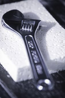 Free Adjustable Wrench On A Sponge Royalty Free Stock Images - 7819539