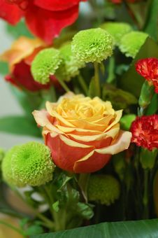Free Colourfull Bouquet With Yellow-pink Rose On Focus Stock Image - 7827751