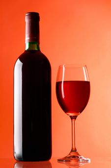 Free Glass And Bottle Of Wine Royalty Free Stock Photo - 7829875