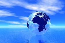 Free Globe In Ocean Royalty Free Stock Image - 7834426