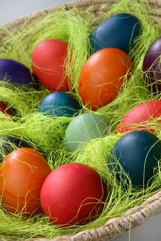 Free Easter Eggs In Basket Stock Images - 7842504