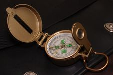 Free Compass On A Travel Bag Royalty Free Stock Photo - 7848425