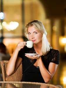 Free Woman Drinking Coffee Royalty Free Stock Photos - 7850418