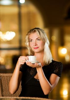 Free Woman Drinking Coffee Royalty Free Stock Image - 7850496