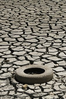 Free Cracked Ground Whit Tire. Global Warming Concept Royalty Free Stock Photography - 7854277