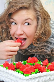 Free Girl Eat Pie Royalty Free Stock Photo - 7856415