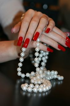 Free Pearl Necklace Royalty Free Stock Photography - 7858247
