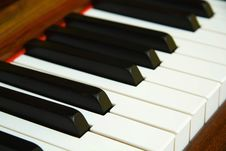 Free Very Old Piano Royalty Free Stock Photography - 7858897