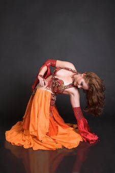 Free Belly Dancer In Red Royalty Free Stock Photos - 7862958