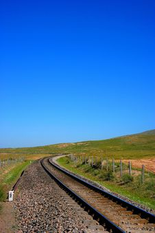 Free Qinghai-Tibet Railway From Qinghai Lake Pratas Stock Photography - 7867642