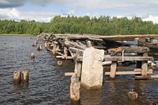 Free Broken Bridge Stock Photo - 7868180