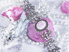 Free Bijou Royalty Free Stock Photos - 7869048