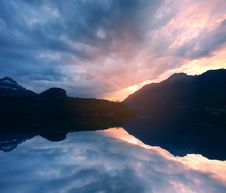 Free Sunset Lake Royalty Free Stock Images - 7873979