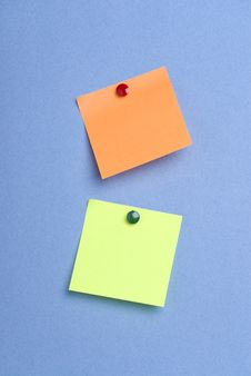 Free Green And Orange Pinned Postits Royalty Free Stock Image - 7874356