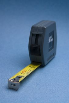 Free Tape Measure With Imperial And Metric Royalty Free Stock Photography - 7874597
