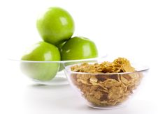 Free Cornflakes And Green Apples Royalty Free Stock Images - 7875269