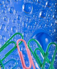 Free Paperclips With Bubbles Royalty Free Stock Photo - 7883565