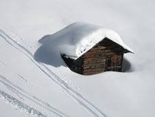 Free Cottage In The Snow Royalty Free Stock Image - 7884506