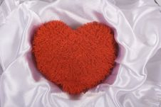 Free Red Fluffy Heart Royalty Free Stock Photos - 7886358