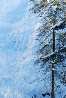 Free Ice Fall In Johnson Canyon Royalty Free Stock Images - 7887689