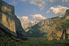 Free Yosemite-02 Royalty Free Stock Photo - 7889185