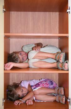 Free Two Children Sleeps On Shelves Royalty Free Stock Photo - 7889855