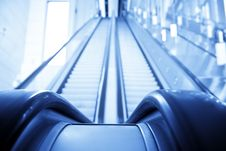 Free Double Way Escalator Royalty Free Stock Image - 7890076