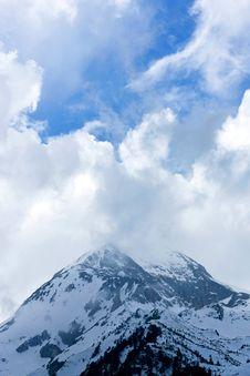 Free Peak In Fog Stock Image - 7890191