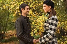 Free Loving Couple In An Autumnal Park Royalty Free Stock Images - 7894179