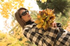 Free Young Woman In Autumnal Park Stock Images - 7894244