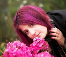 Free Woman Relaxing In The Summer Park Royalty Free Stock Image - 7895756