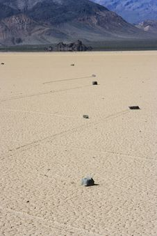 Free Mysterious Rocks On Death Valley Race Track Stock Photography - 799212