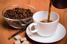 Free Cup Of Coffee, Sugar And Beans Royalty Free Stock Images - 7901919