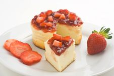 Free Cheesecake With Fresh Strawberries Royalty Free Stock Photo - 7903775