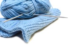 Free Knitting Needles, Yarn  And Knitting Cloth. Stock Image - 7905441
