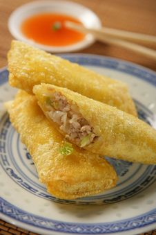 Free Three Spring Rolls With Dip Stock Images - 7908374