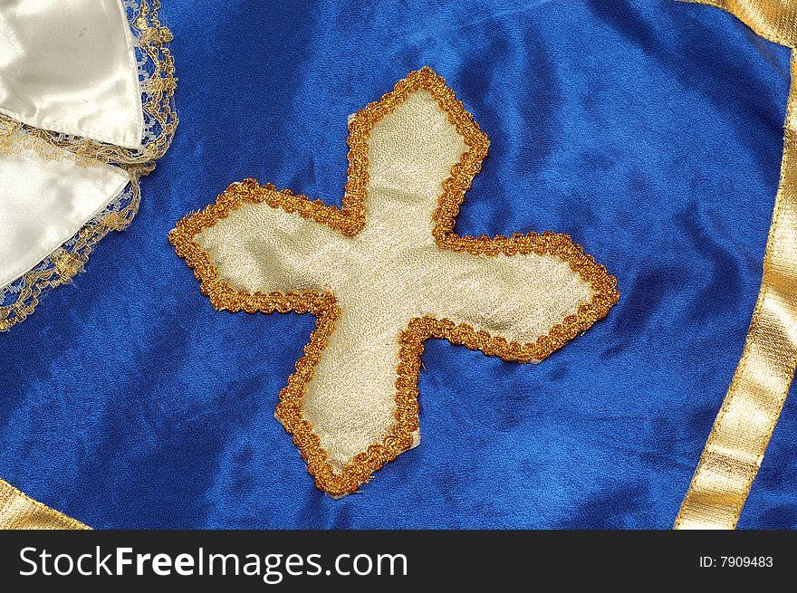 Musketeer golden cross