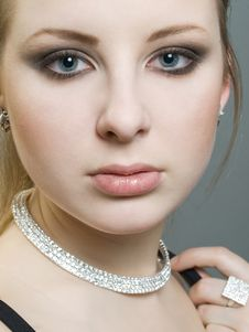 Free Portrait Of Beautiful Girl Royalty Free Stock Photography - 7911317