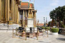 Elephant Statue In Wat Phra Kaew Royalty Free Stock Image
