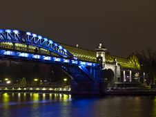 Free Foot Bridge Over The Moscow River. Royalty Free Stock Photography - 7913327