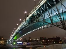 Free Highlighted Bridge Over The River Royalty Free Stock Images - 7913429