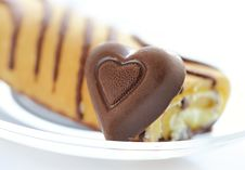Free Cake And Chocolate Heart Royalty Free Stock Image - 7914026