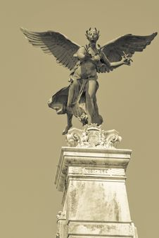 Free Statue Royalty Free Stock Images - 7914119