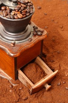 Free Coffee Grinder Stock Photo - 7914980