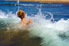 Free Child In The Sea Royalty Free Stock Photos - 7915138