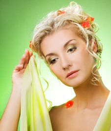 Free Woman With Flowers Royalty Free Stock Images - 7916609