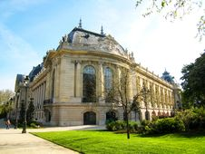 Free Old European Buidling In Champs Elysesse In France Stock Photo - 7921690