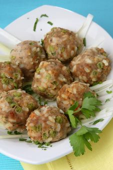 Free Meat Balls With White Rice And Green Peas Royalty Free Stock Photo - 7923465