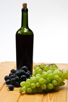 Grape And Bottle Royalty Free Stock Photography