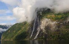 Free Mountain Waterfall Stock Photos - 7928823